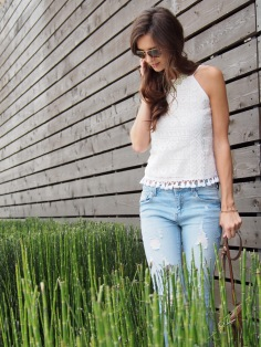 light jeans and summer top-