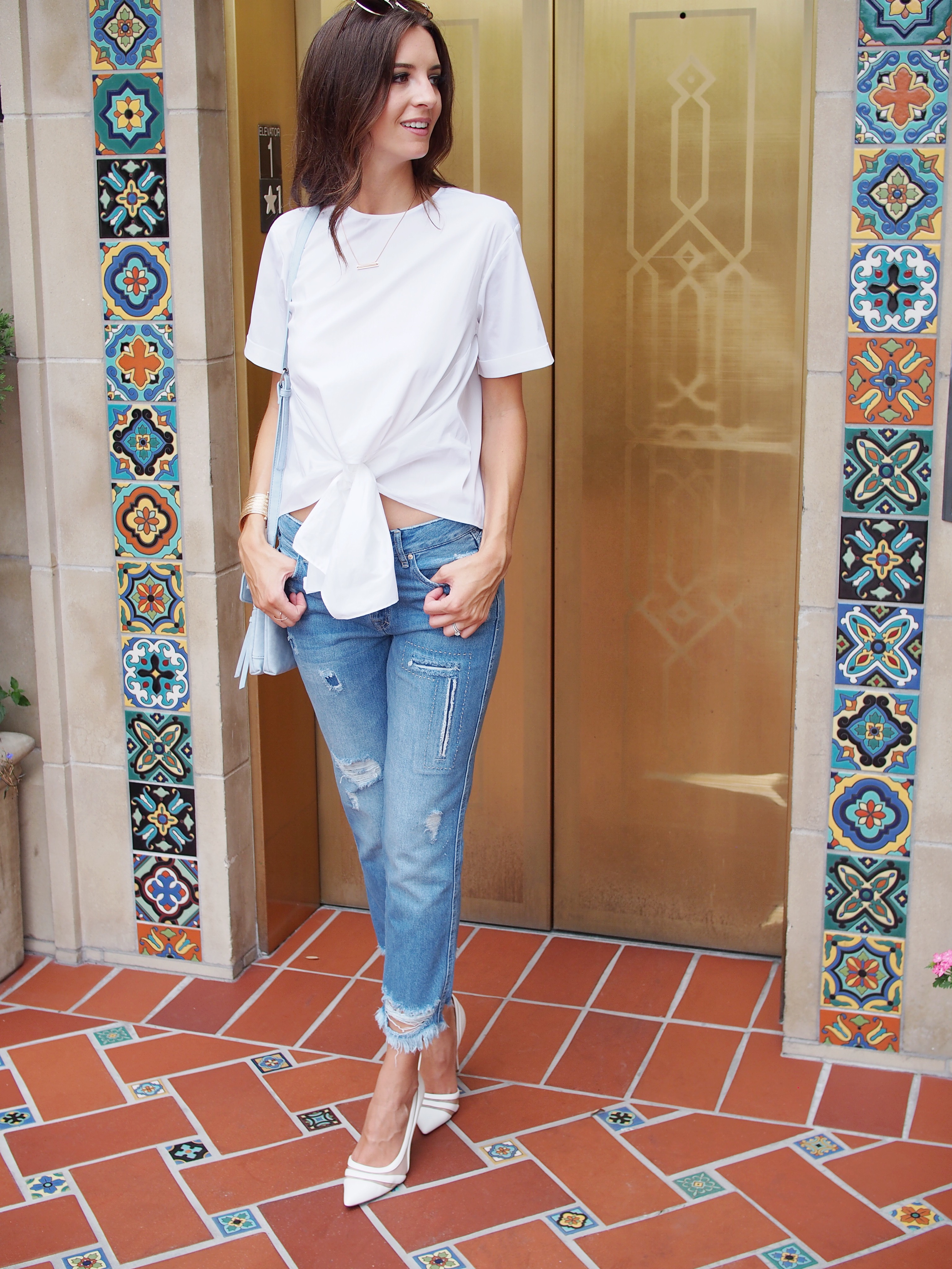 white zara top and jeans2